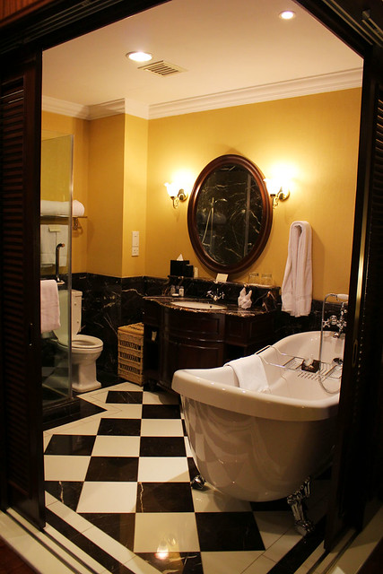 The Majestic - Bathroom