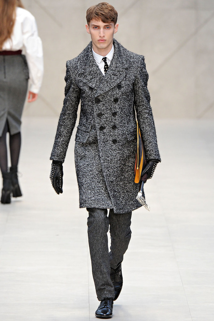 FW12 London Burberry Prorsum001_Charlie Frnace(VOGUE)