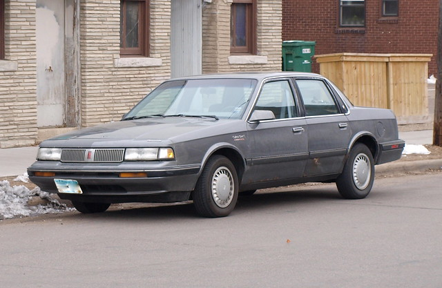 1989-90 Oldsmobile Cutlass Ciera 3