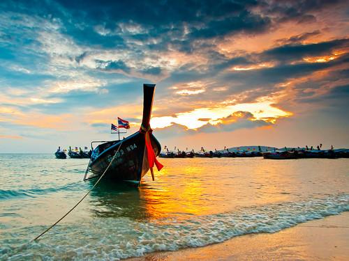無料写真素材, 乗り物・交通, 船舶, ビーチ・海岸, 朝焼け・夕焼け, 風景  タイ王国
