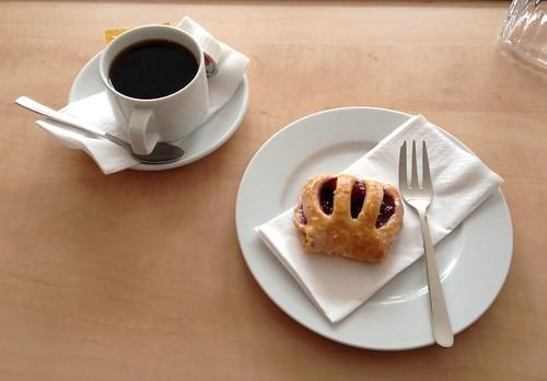 Kaffee & Gebäckstück