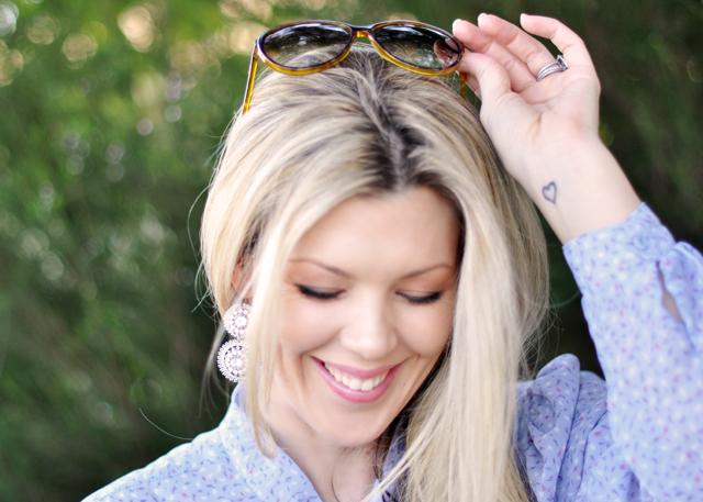 earrings-smiling-makeup- hair