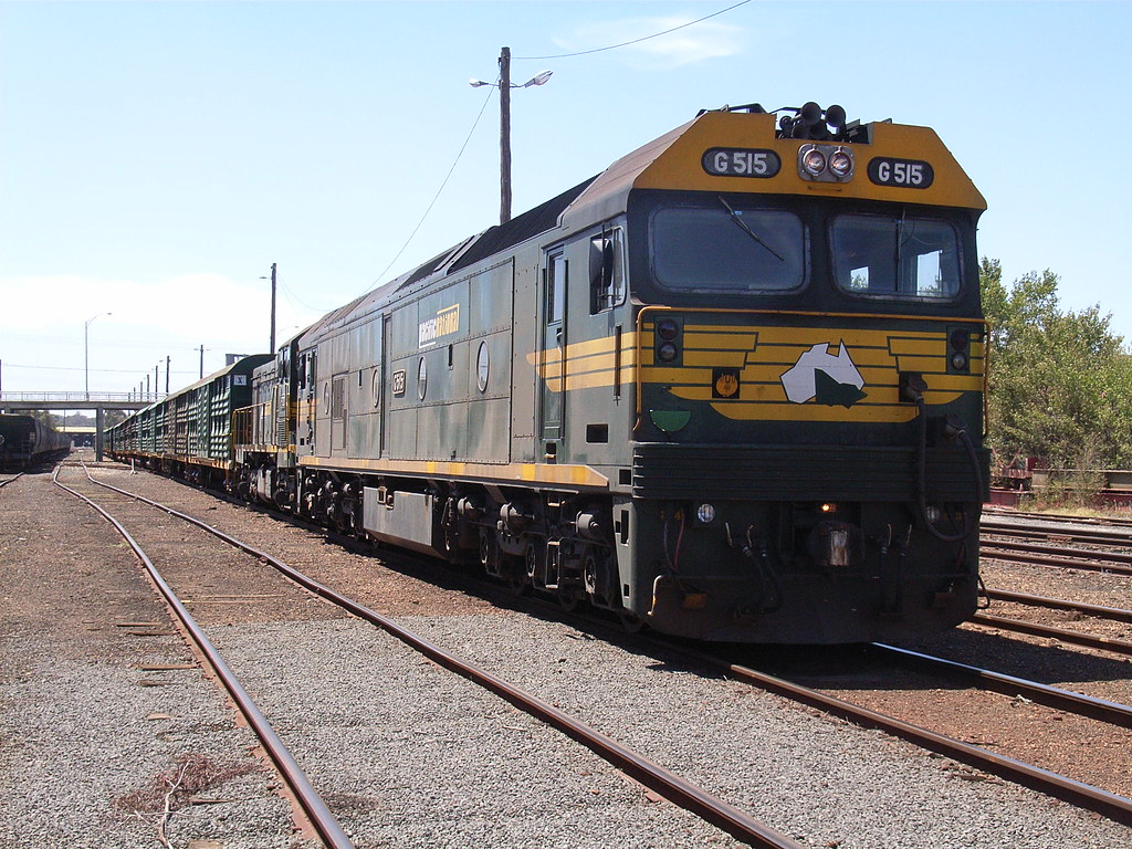 G515 and P20 sit in the Bendigo yard after arriving with 9084 by bukk05