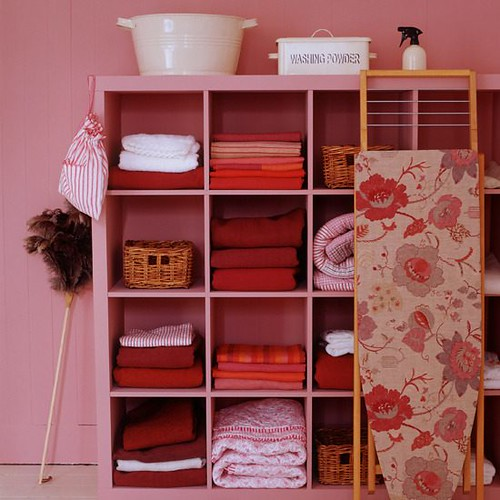 Pink-Laundry-Room-Decor-Idea