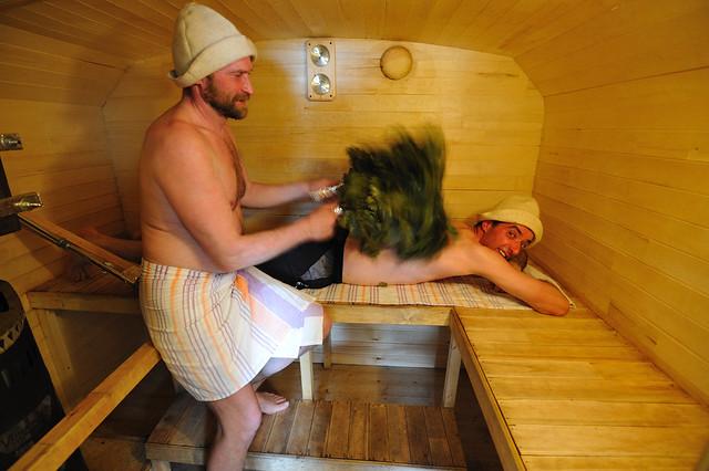 Dentro de una sauna móvil