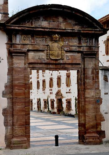 Ayuntamiento de ezcaray la rioja tel fonos e for Muebles ezcaray