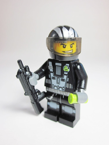 Blacktron Shotgunner