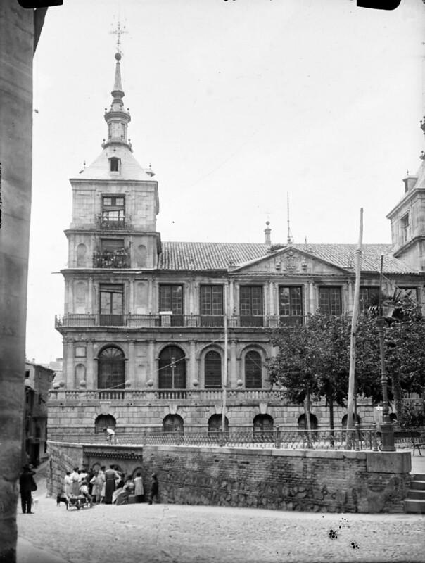 Ayuntamiento en los años 20. Fotografía de Otto Wünderlich. © Fototeca del Patrimonio Histórico