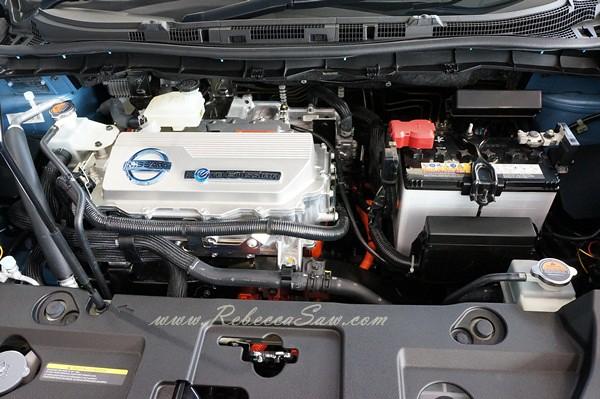 nissan leaf - all electric car-024