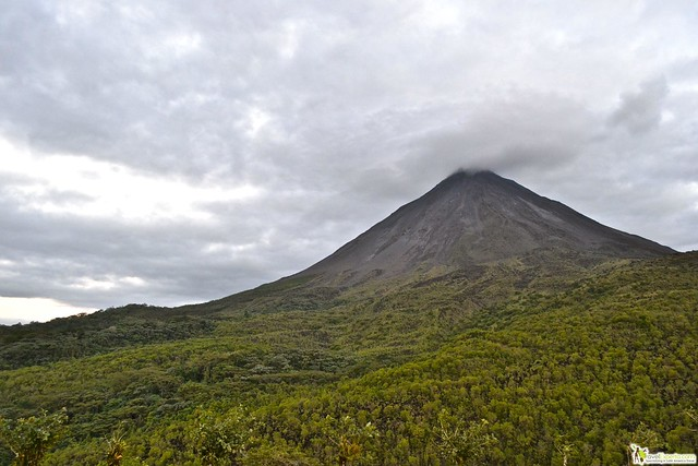 A List of the Top 10 Adventure Tours Costa Rica! - volcano hiking