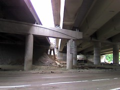 underneath I-610, Houston (by: groovehouse, creative commons license)