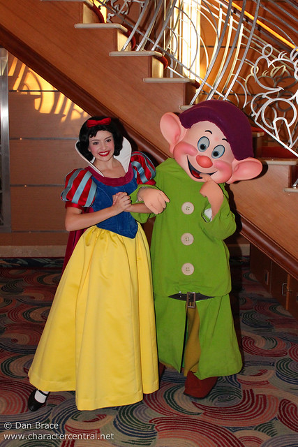 Meeting Snow White and Dopey