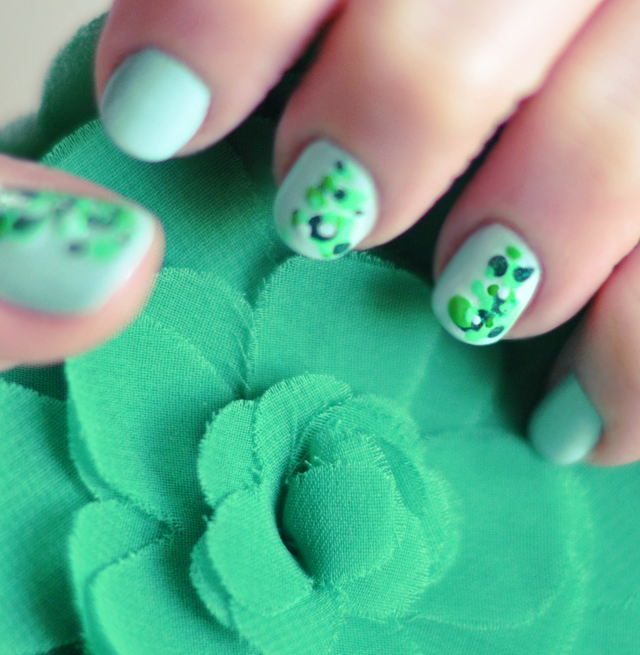 st patrick's day nails - green speckled nails