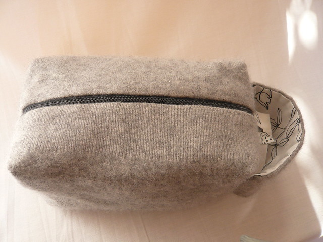 Little grey birdy bag