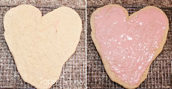 valentines-heart-shaped-pink-chicken-alfredo-pizza-sauce
