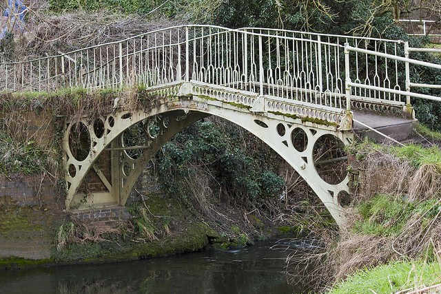 The old bridge over the river stour at caunsall