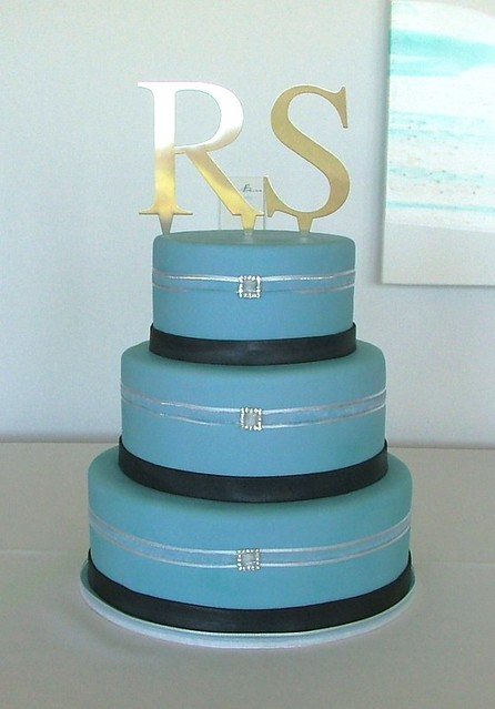Blue Black Wedding Cake Nearly had disaster with this one as I covered the