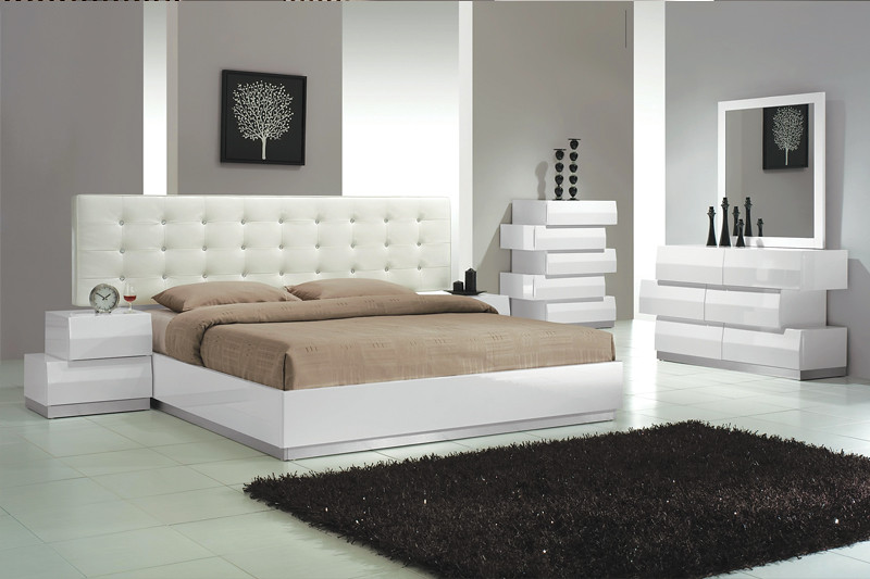 4583 tufted king bed