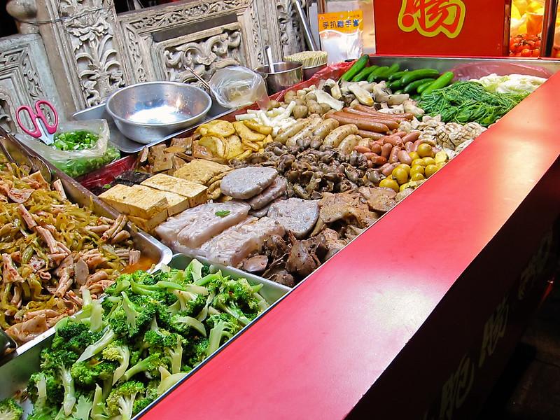 yung tau fu at Taiwan's Shilin Market