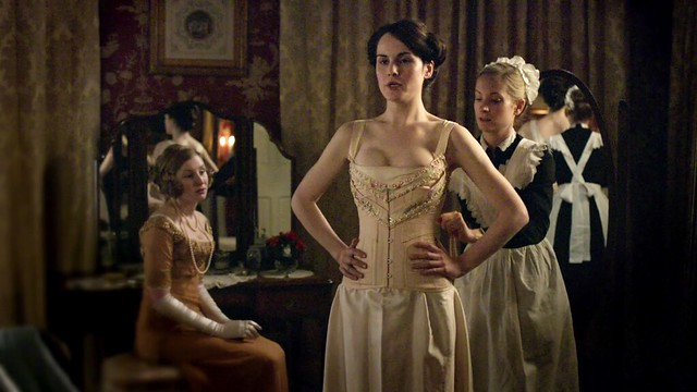 DowntonAbbeyS01E03_Marycorset