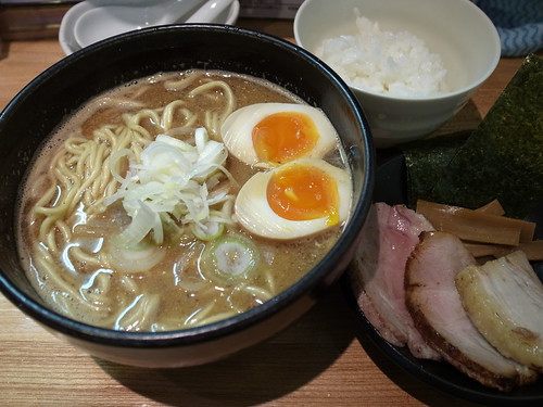 ra120223づゅる麺 豚あじ 恵比寿神社前 NBS48味玉
