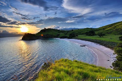 flores indonesia geotagged nikkor ntt komodo teeje d5000 eastnusatenggara pinkisland geo:lat=8609154114041116 geo:lon=11952501233862301