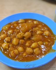 plant(0.0), produce(0.0), fruit(0.0), baked beans(0.0), curry(1.0), vegetable(1.0), chana masala(1.0), food(1.0), dish(1.0), cuisine(1.0),