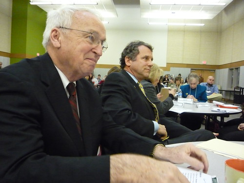 Under Secretary Kevin Concannon and Ohio Senator Sherrod Brown at the Ohio Association of Second Harvest Foodbanks Summer Food Summit in January 2011.