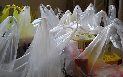 plastic-grocery-bags-mtsofan-Fickr