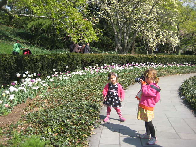 Young visitors admire the beds along Magnolia Plaza. Photo by Sarah Schmidt.