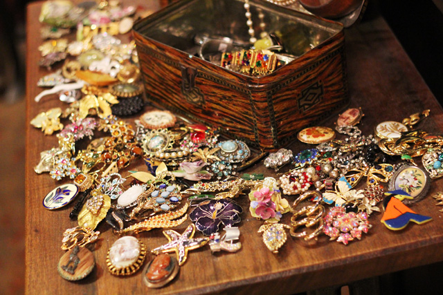 blitz vintage shoreditch london jewellery