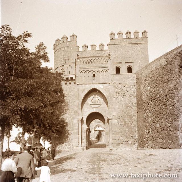 Puerta del Sol en los años 20. Fotografía de José Villar Martelo