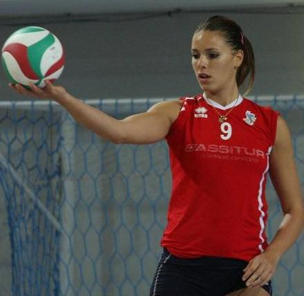 Nesovic-Ivana-princesa-serbia-volleyball