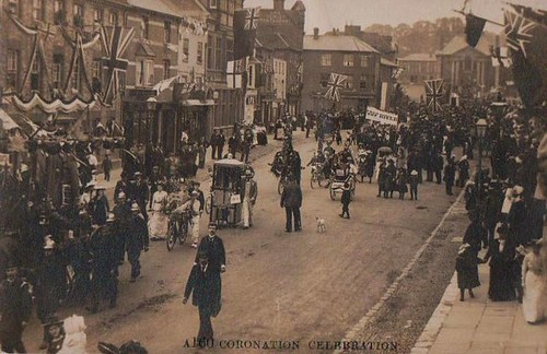 Old postcard of Hart Street, Henley.