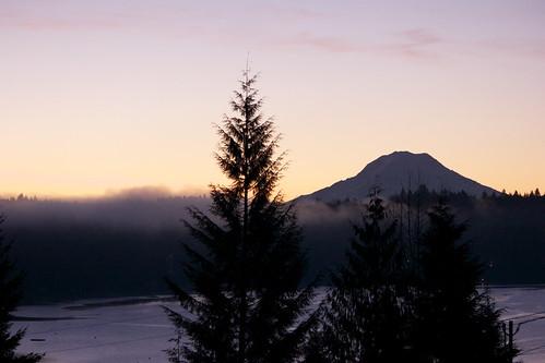 morning mountain fog sunrise harbor washington spring warm gig foggy rainier tacoma