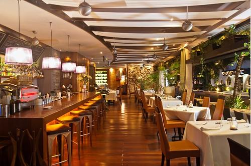 The Glass Bar/Di Vino