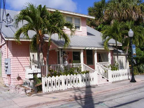 Island style cottage