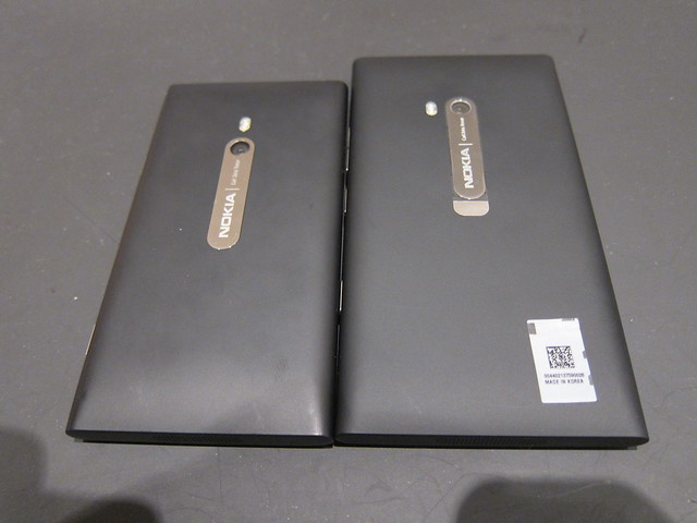 Comparison With Nokia Lumia 800
