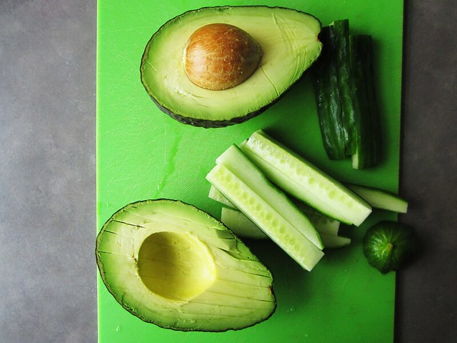 avocado & cucumber, sliced