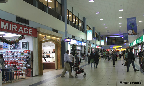 b2ee7bd8467 Comprinhas no Aeroporto do Panamá