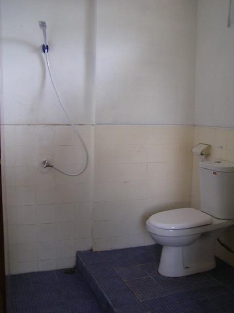 房内的浴室