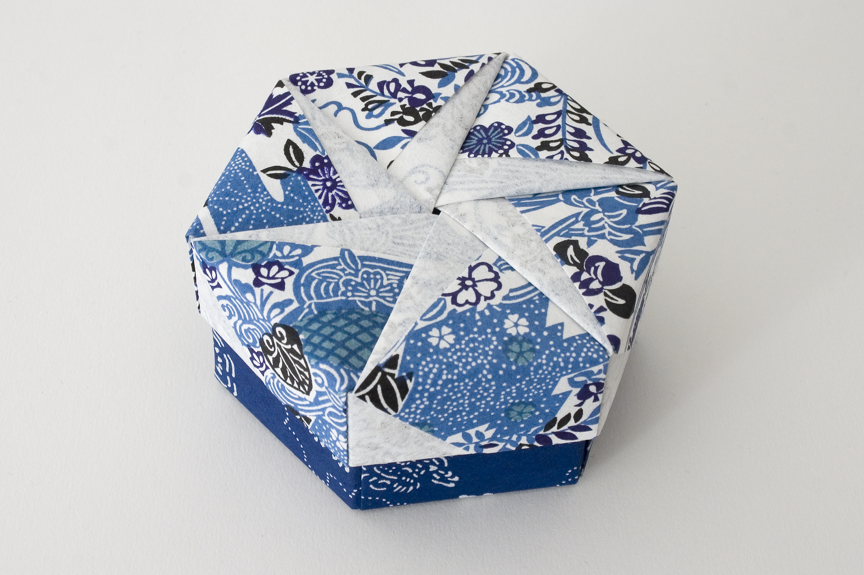 Hexagonal Origami Box with Lid #19 | Flickr - Photo Sharing! - photo#38