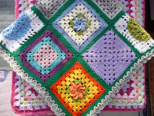 ATheeC (Belgium) Has made and donated this very pretty Blanket to our 'SIBOL' Group also! Thank you so much!