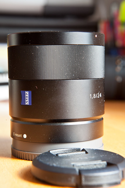 Sony 24 mm Zeiss Sonnar T* f1.8