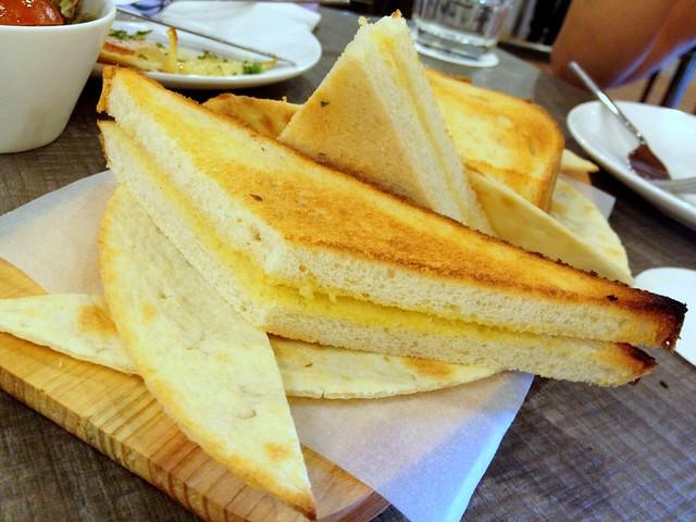 Pain a L'ail (Garlic Bread)
