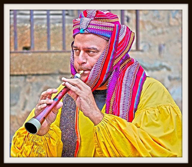 El Flautista de Cáceres, Cáceres' piper ;)