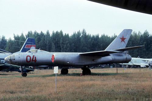 04r Il-28