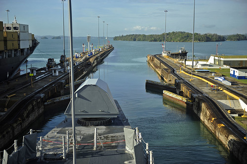 USS Independence (LCS 2) prepares to exit the Gatun Lock during the ship's first Panama Canal transit.
