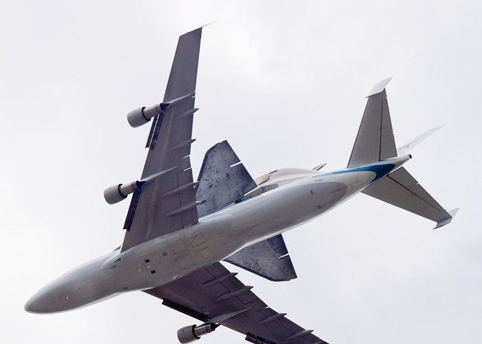 4/17- Discovery Flyover