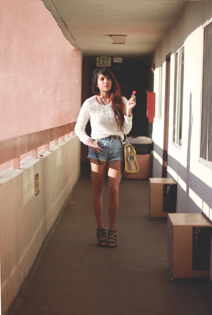 Tarte Vintage Mesh Jumper, high waist shorts, Dolce Vita Helix